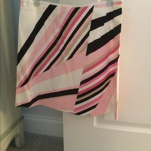 Look adorable in this PUCCI  like skirt!